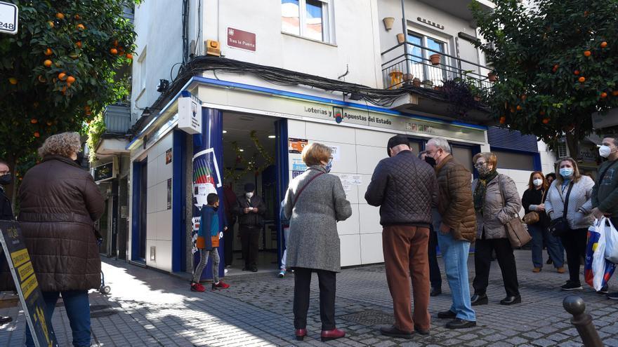 Avalancha de peticiones desde Huelva a una hermandad de Córdoba por la Lotería de Navidad