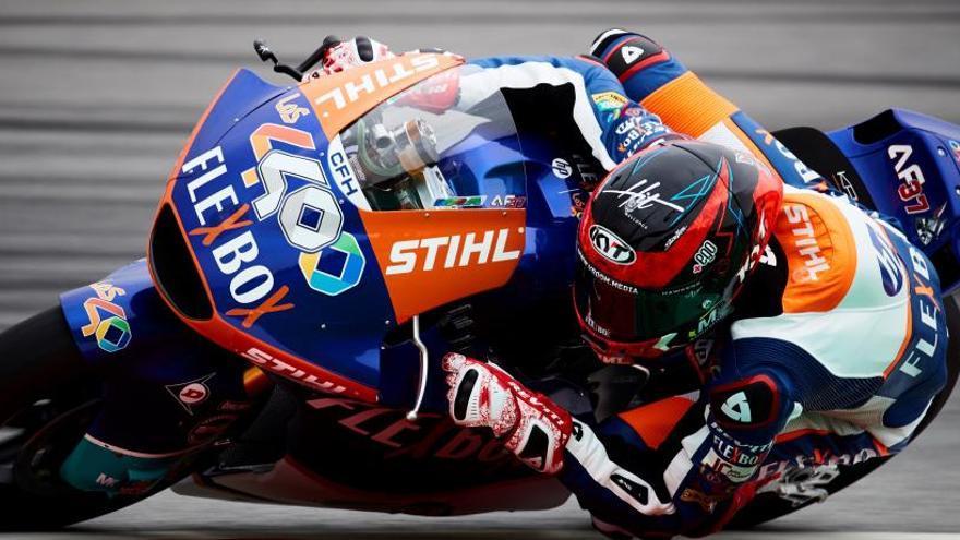 Fernández logra la primera plaza de salida en Moto2