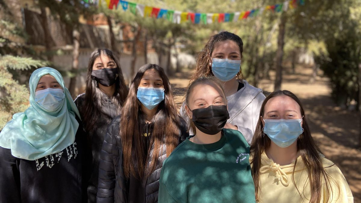 Un grupo de alumnas participantes en el proyecto 'IESficiente' del centro cariñenense.