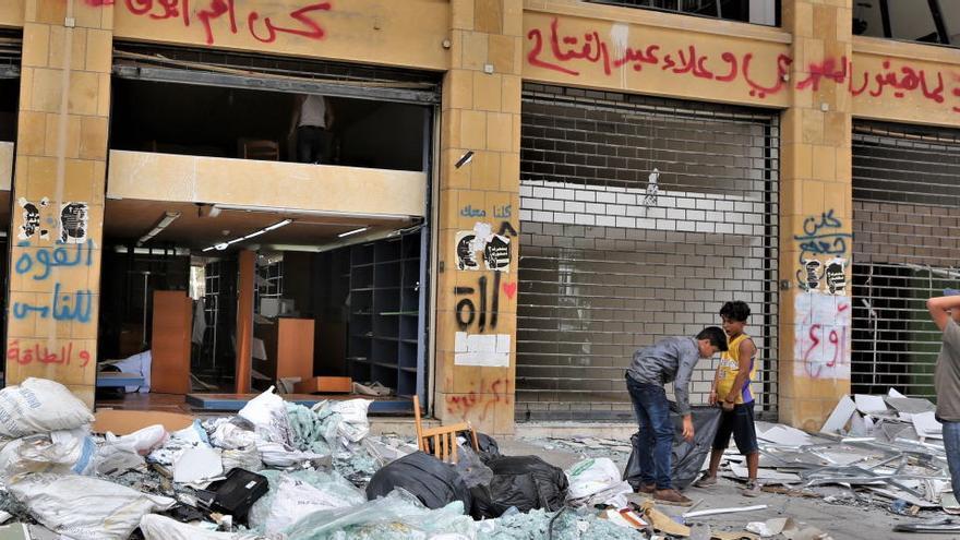 Detenidos el presidente del puerto de Beirut y el director de Aduanas tras la explosión