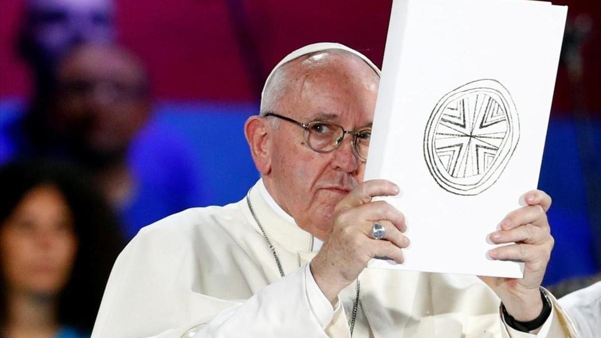 """Francisco admite que la Iglesia """"va tarde"""" con los abusos"""
