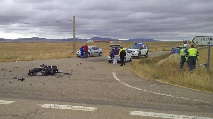 Dos motoristas mueren en la carretera en Mainar y Cella