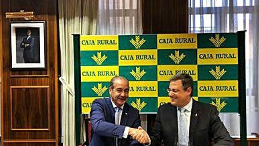 Caja Rural y el Colegio de Farmacéuticos firman un convenio de colaboración