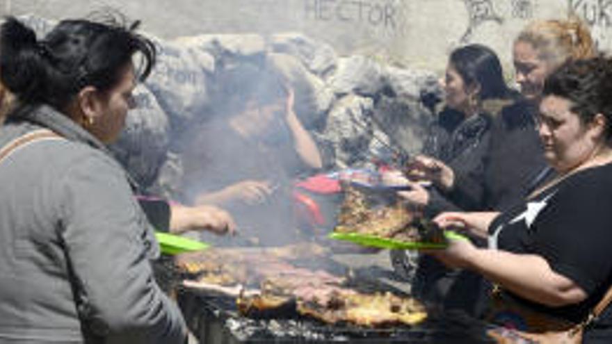 El barri de Sant Joan renuncia a celebrar el Dia del Poble Gitano com a protesta