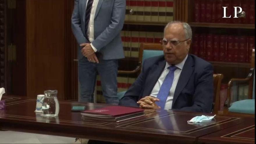 Los Cabildos piden flexibilización fiscal y compensaciones por las pérdidas del REF