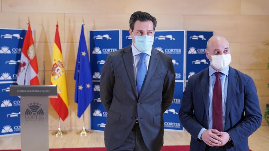 PP y Cs escenifican su estabilidad en Castilla y León y se remiten a su pacto