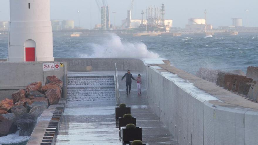 Meteorología eleva a naranja el aviso por fenómenos costeros en la Región