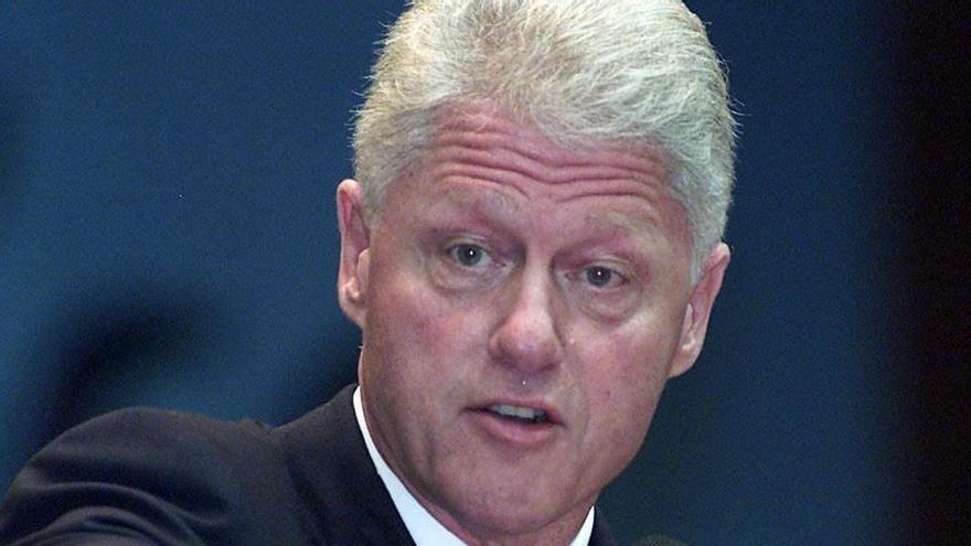 Publiquen unes fotos de Bill Clinton amb una de les esclaves sexuals de Jeffrey Epstein