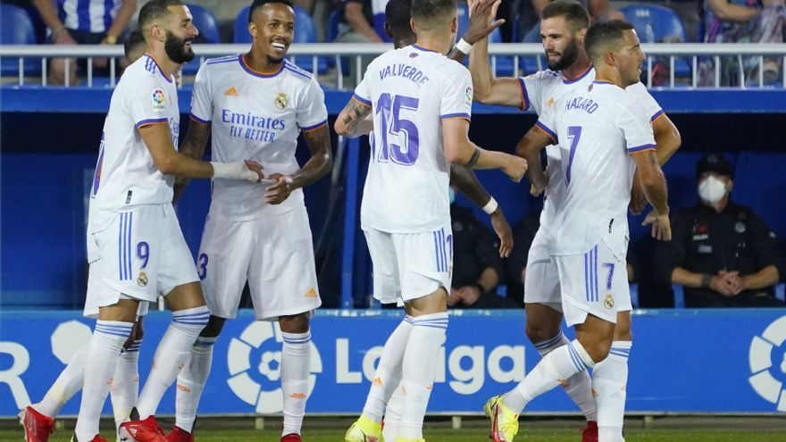 El Madrid arranca con goleada en Vitoria