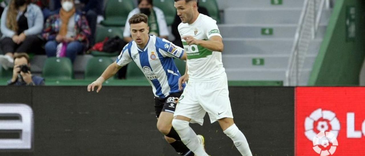 Lucas Pérez regresa a Vitoria; ¿Qué pasó realmente entre él, Abelardo y Sergio Fernández?