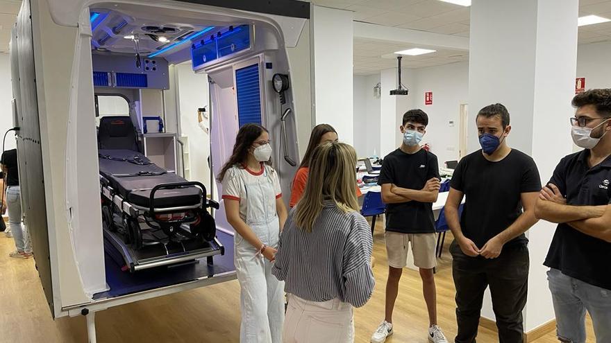 MEDAC Córdoba estrena la FP de Emergencias Sanitarias con un simulador de ambulancia único de la provincia