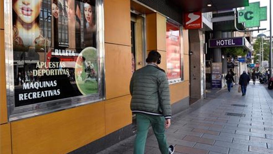 Urbanismo estudia ampliar la suspensión de licencias a salas de juego durante un año más