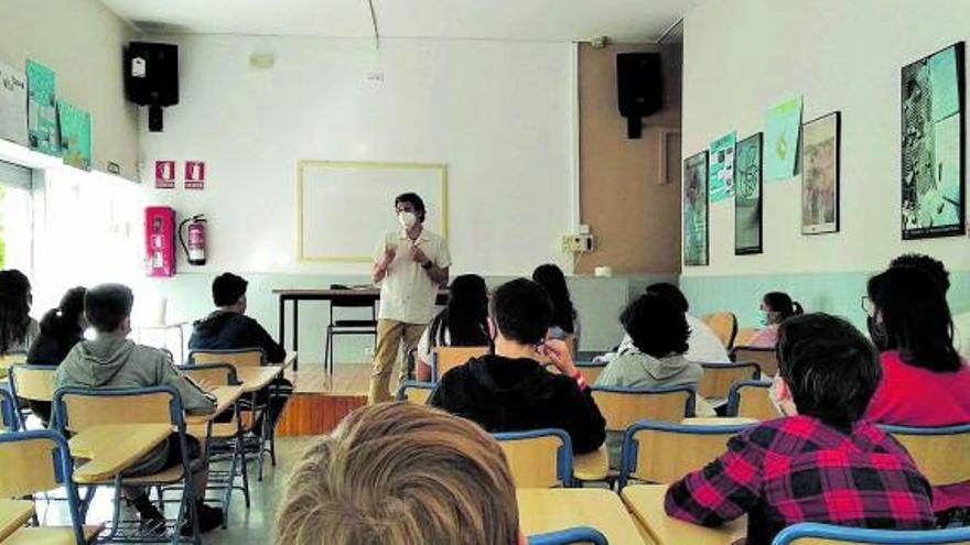 Alumnos y escritores, encuentros para revivir la cultura pese al Covid