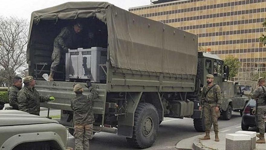 Coronavirus: Soldaten desinfizieren Verkehrsbehörde in Palma