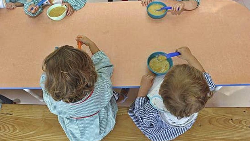 La Xunta descarta la gestión directa de los menús de A Galiña Azul que exige Carral