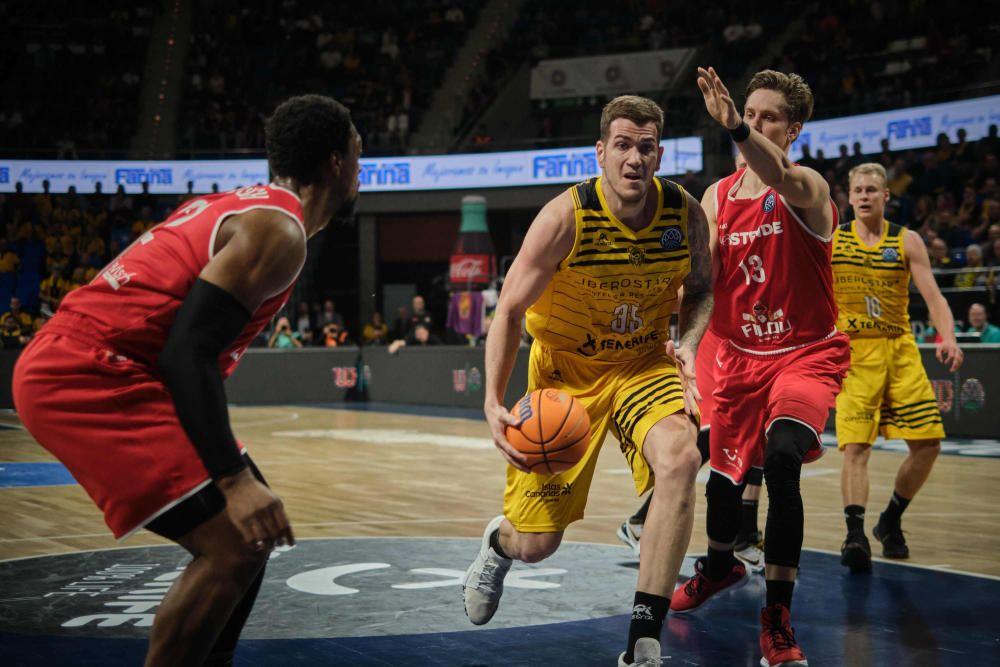 Partido Iberostar Tenerife - Filou Oostende octavos de final de la Basketball Champions League  | 03/03/2020 | Fotógrafo: Andrés Gutiérrez Taberne