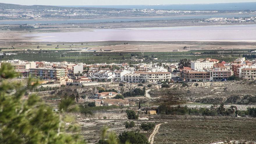 El precio medio del suministro de agua en San Miguel de Salinas supera en un 208 % al de las 53 principales ciudades de España