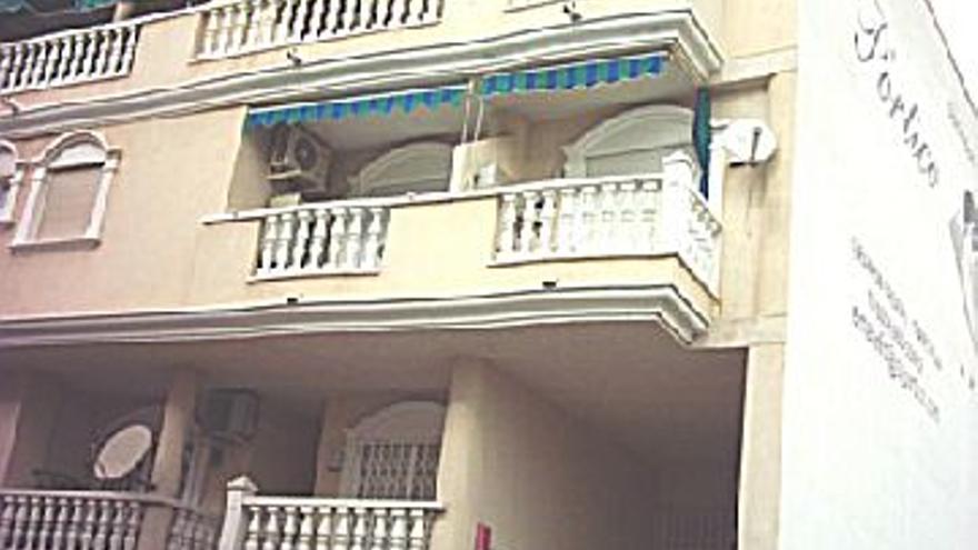 67.500 € Venta de piso en Playa del Cura (Torrevieja) 62 m2, 3 habitaciones, 1 baño, 1.089 €/m2...