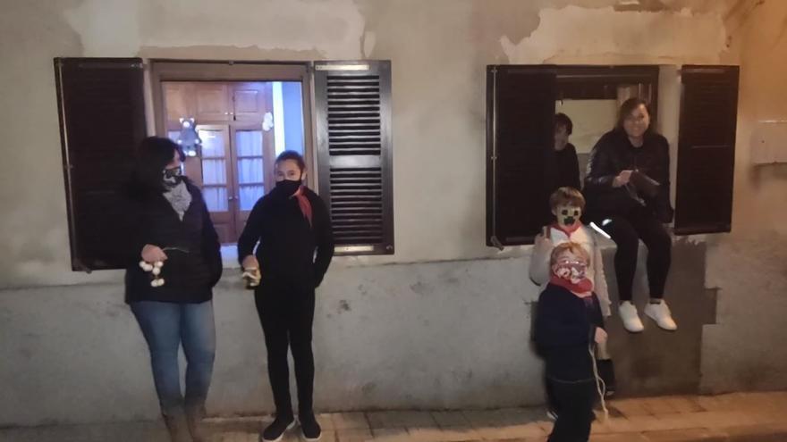 Picarolada desde casa para anunciar el Sant Antoni 'gabellí'