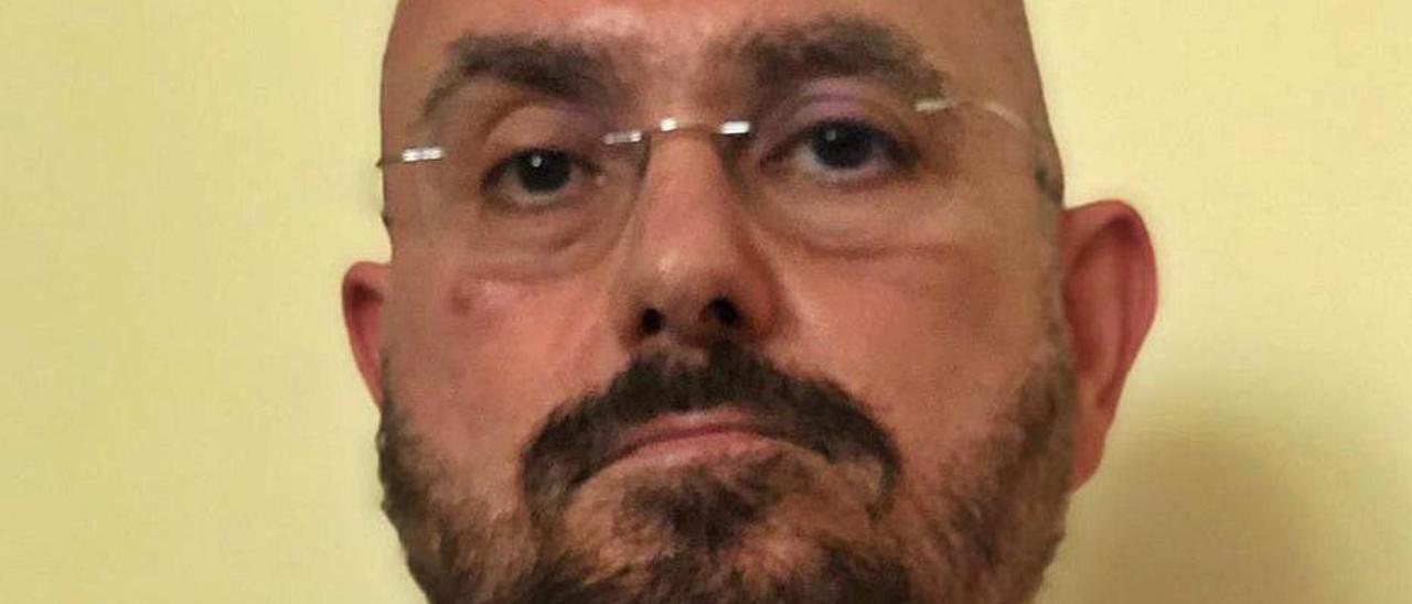 José María Carrasco, jefe de la UCI del Hospital de La Vila.   INFORMACIÓN