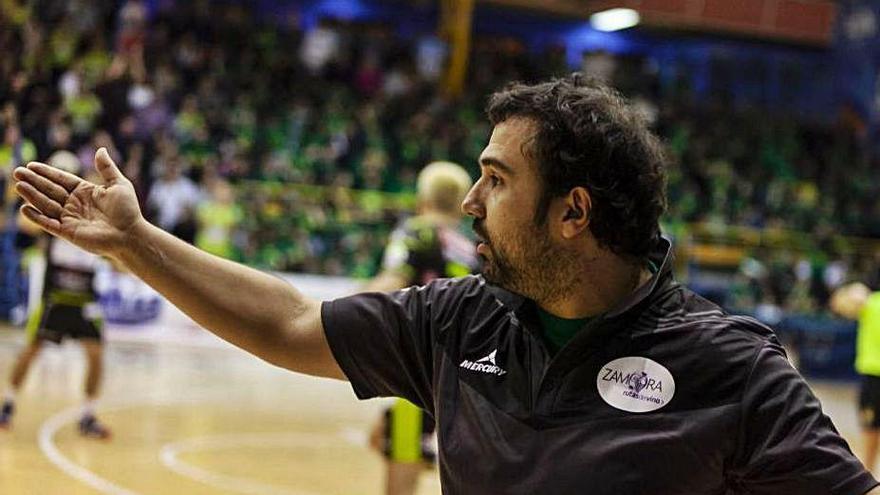 Leo Álvarez entrenará en Ibiza
