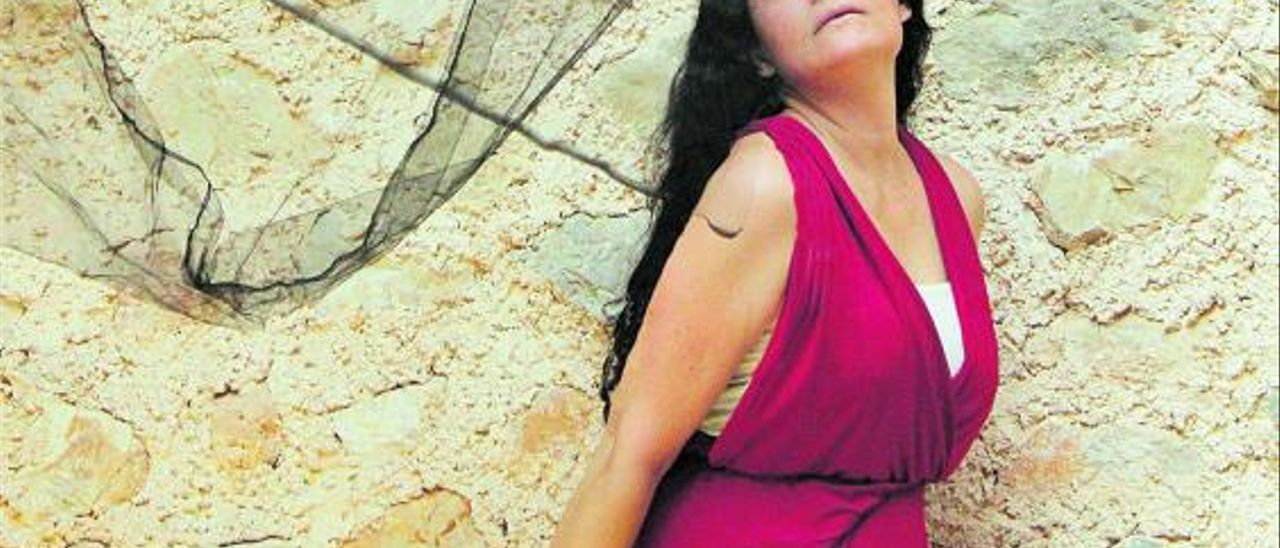 Mara Aranda, la voz que actualiza la música antigua