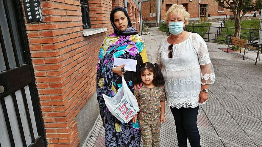 """La ayuda alimentaria llegó a 45 familias inmigrantes que """"lo están pasando mal"""""""