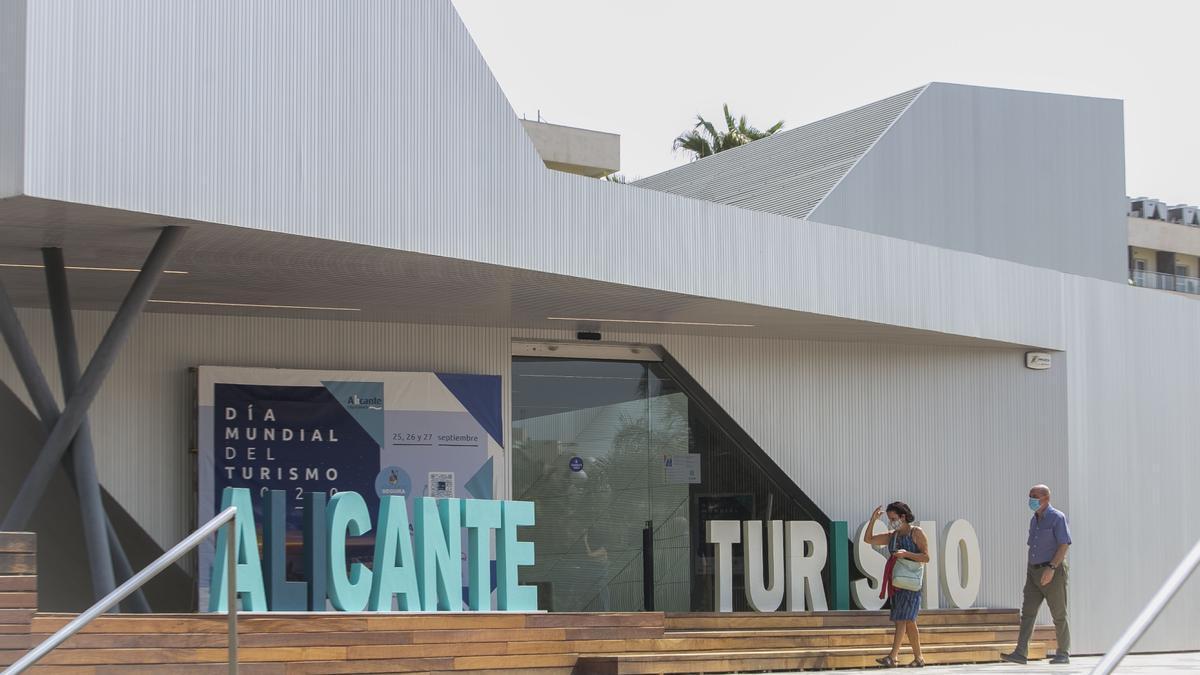 Oficina de turismo en el Puerto de Alicante