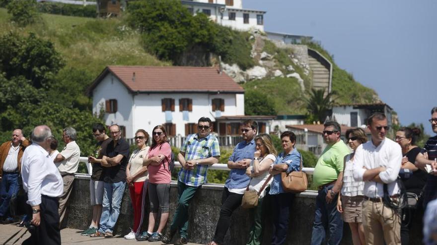 Asturias pinta sus playas de azul