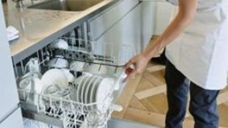 Una de cada tres empleadas del hogar se quedará fuera de la ayuda extraordinaria