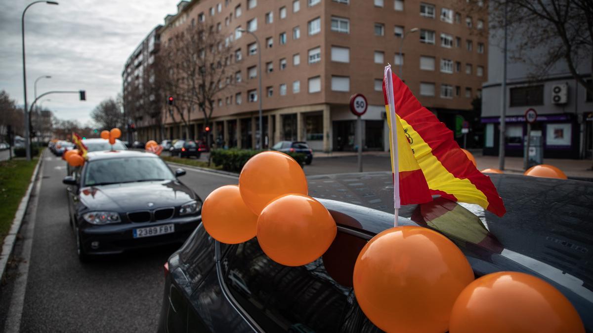 Manifestación en coche contra la Ley Celaá en Zamora