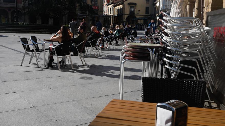Las restricciones se endurecen en Asturias: 17 concejos cerrados y cierre de la hostelería y los grandes comercios en Avilés, Castrillón y Corvera