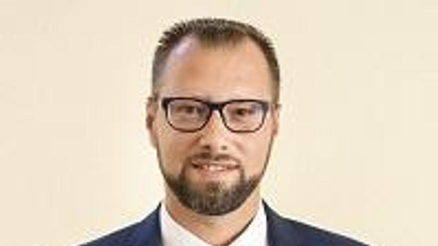 El PP de Archena pide la dimisión del concejal de Vox, Paco López