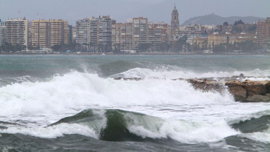 Un tren de borrascas dejará rachas de viento de hasta 80 km/h en Málaga
