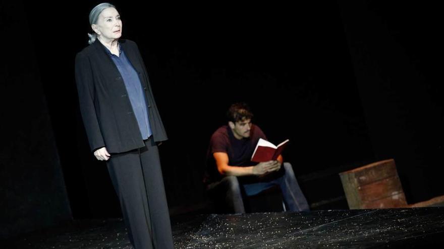 """Nuria Espert y Mario Gas """"incendian"""" el teatro Jovellanos de Gijón"""