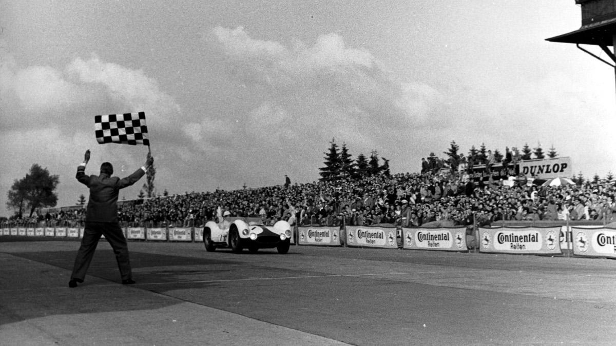 """El Maserati Tipo 61 """"Birdcage"""" ganó los 1.000 km de Nürburgring hace 60 años"""