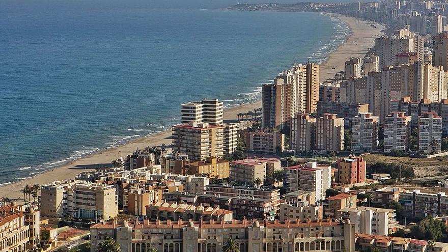Alicante «rompe» la barrera  de los 350.000 vecinos en plena pandemia
