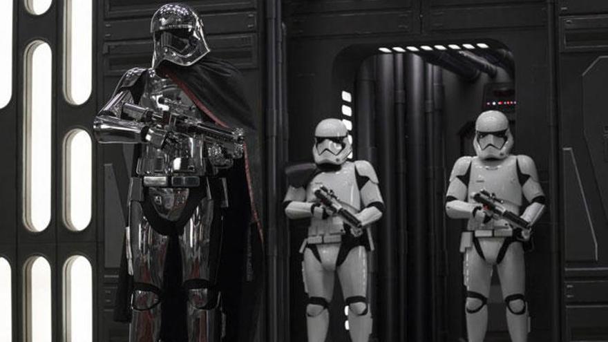 Los príncipes Guillermo y Harry, demasiado altos para Star Wars