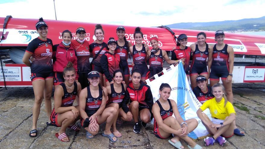 Cabo de Cruz, campeona de la bandera femenina de Rianxo