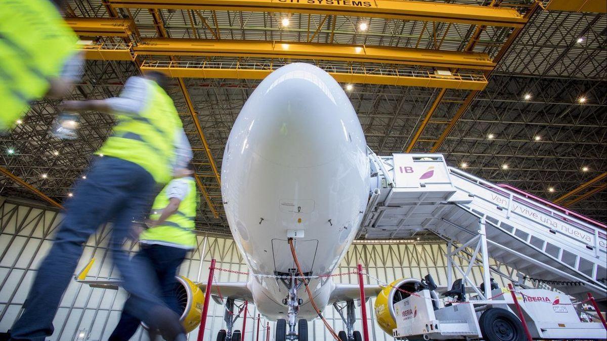 Sánchez y Felipe VI inauguran las instalaciones de Airbus en Getafe
