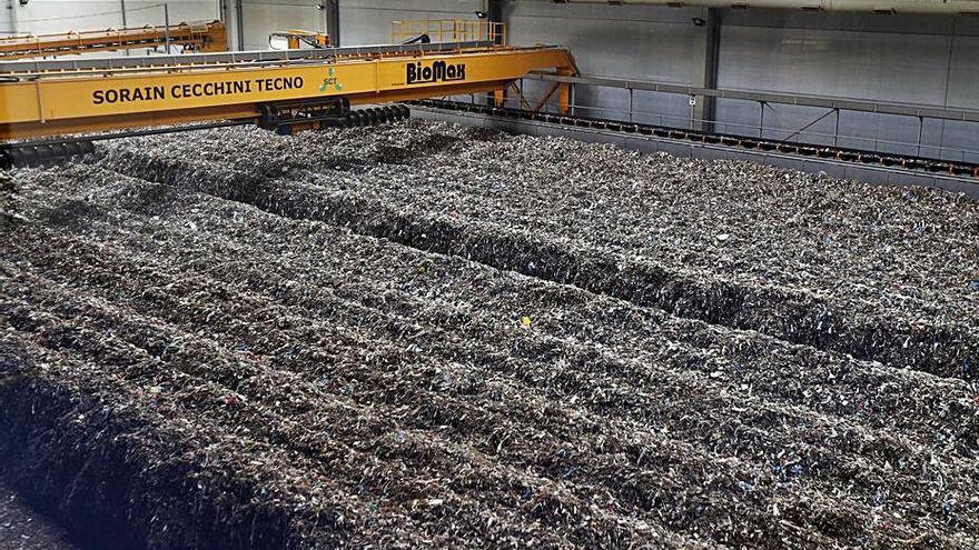 La tasa de la basura baja en 50 de los 51 municipios pese a aumentar el tonelaje
