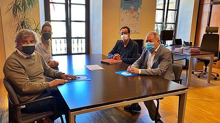 La junta local de Otea Gijón se reúne con Izquierda Unida