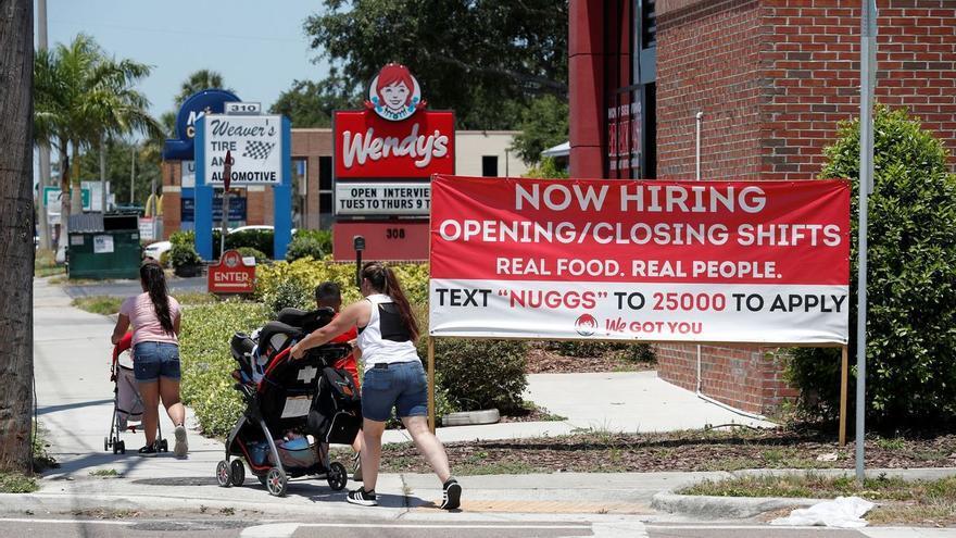 El empleo se acelera en EEUU pese a los problemas para encontrar trabajadores