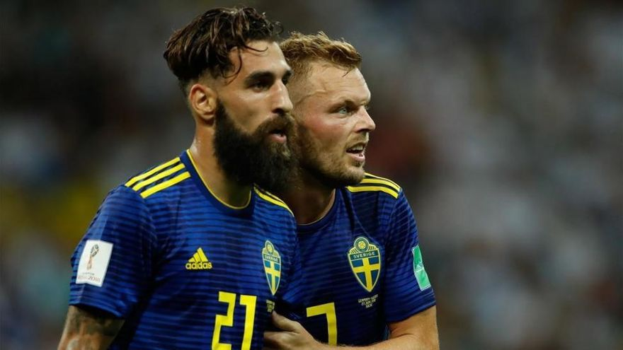 Durmaz y la selección sueca responden a los insultos racistas