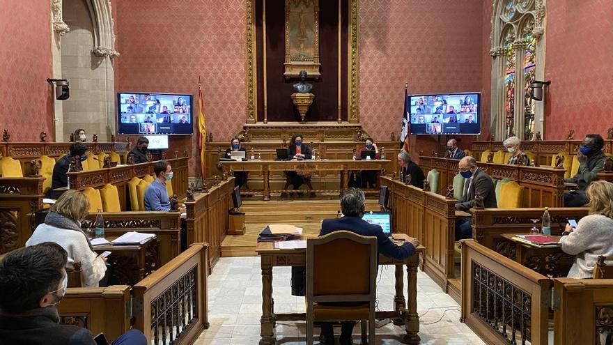 El pleno del Consell de Mallorca aprueba un nuevo sistema de teletrabajo para sus empleados
