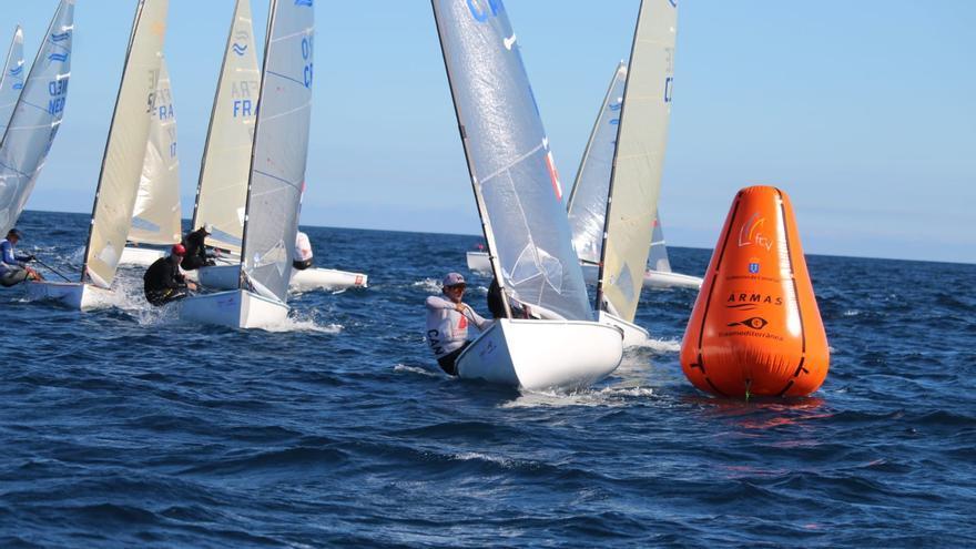 La ausencia de viento paraliza la 2ª jornada de la Lanzarote Olympic Winter Regatta