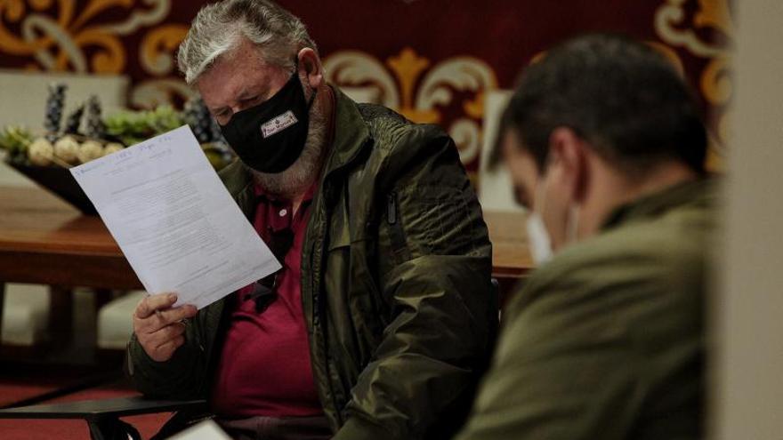 La unanimidad preside la Mesa del Taxi entre Díaz Guerra y el sector
