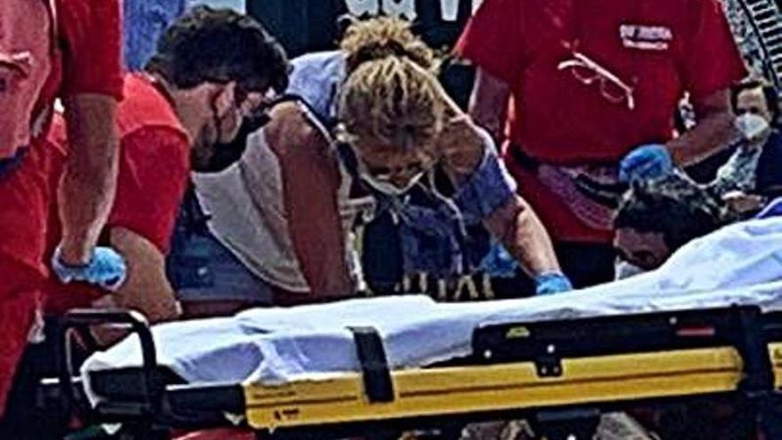 Herida una mujer en la cabeza tras tropezar en los jardines del Náutico
