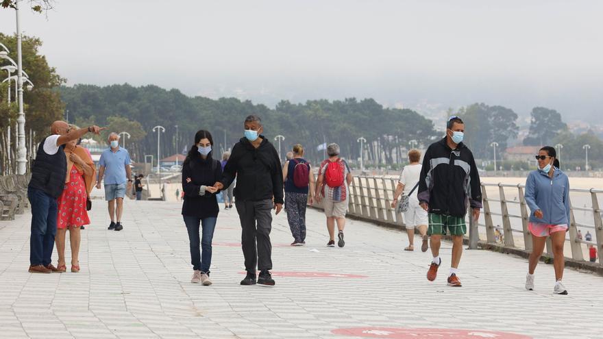 Galicia baja de 800 casos de COVID mientras repuntan los ingresados por segundo día consecutivo