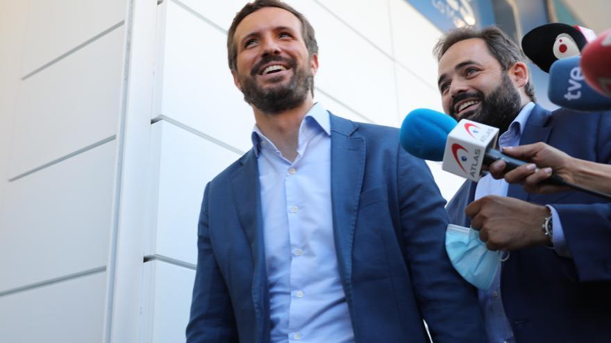 """Casado acusa a Sánchez de """"humillar a España"""" tras la mesa de diálogo"""